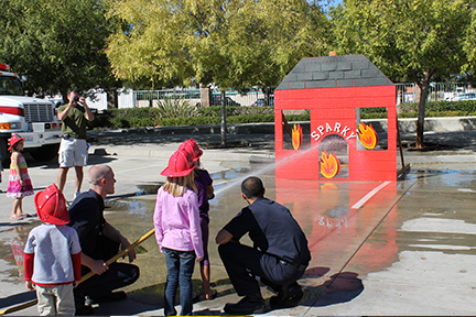 SMFD Open House - hose demonstration